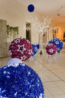 Free Big Christmas  Balls Stock Image - 17504451