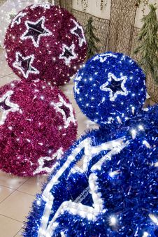 Free Big Christmas  Balls Stock Photography - 17504602