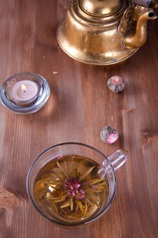 Free Cup Of Green Tea With Teapot Royalty Free Stock Images - 17504739
