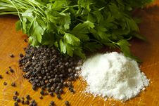 Free Pepper, Salt And Parsley Royalty Free Stock Photos - 17505588