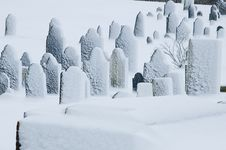 Free Winter Graveyard Royalty Free Stock Photo - 17508695