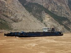 Free A Barge On The Yangtze River Stock Image - 17509961