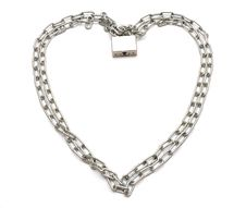 Free Chain  In The Form Of Heart Stock Photos - 17510433