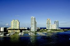 Free Miami Waterfront Royalty Free Stock Images - 17510829