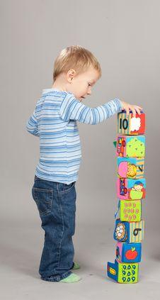 Free Boy Playing Royalty Free Stock Image - 17512296