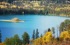Free Autumn Lake Royalty Free Stock Photos - 17513768
