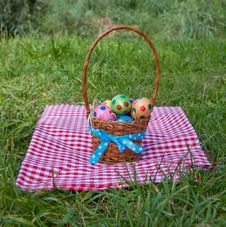 Free Colorful Dotted Easter Eggs Royalty Free Stock Photography - 17517267