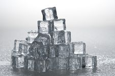 Free Wet Ice Cubes Objects Stock Photography - 17519522