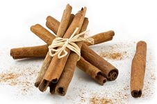 Free Cinnamon Sticks Stock Images - 17521344