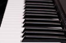 Free Piano Keys Royalty Free Stock Image - 17525586