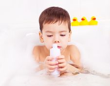 Free Boy Taking A Bath Stock Photo - 17532670