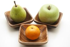 Free Pear And Apple With Tangerine Royalty Free Stock Image - 17538276