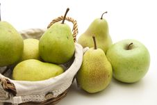 Free Pears In The Basket Stock Photography - 17538502