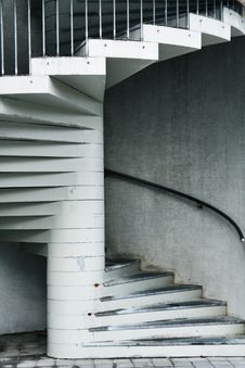 Free Spiral Staircase Royalty Free Stock Photos - 17543018