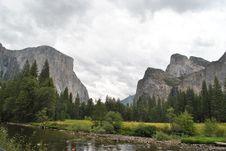 Free Yosemite Valley Stock Photo - 17545430