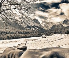 Free Snowy Landscape Of Italian Alps On Winter Royalty Free Stock Images - 17549869