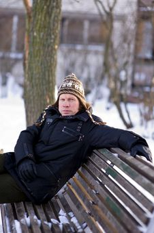 Free Man On Bench In Winter Stock Images - 17549874