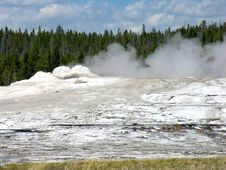 Free Old Faithful, Yellowstone National Park Royalty Free Stock Image - 17550576