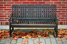 Free Modern Bench Royalty Free Stock Photography - 17550607