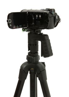 Free Open HD Camcorder On Tripod Royalty Free Stock Images - 17552149