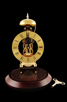 Free Windup Clock And Key Royalty Free Stock Images - 17553369