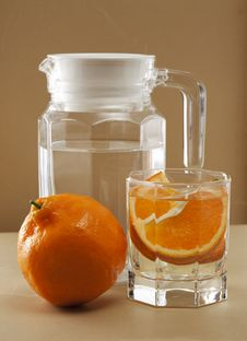 Free Oranges And Glass Cups Royalty Free Stock Images - 17554569