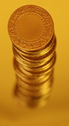 Free Gold Royalty Free Stock Photography - 17555977
