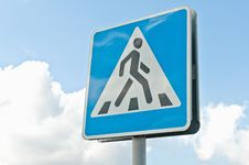 Free Crosswalk Road Sign Royalty Free Stock Photography - 17561537