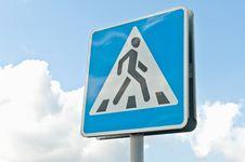 Free Crosswalk Road Sign Royalty Free Stock Photography - 17561537