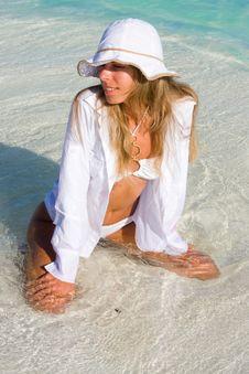 Free Lady In A Bikini Royalty Free Stock Photo - 17561765