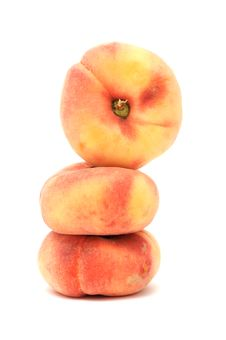 Free Flat Peaches Royalty Free Stock Photography - 17562697