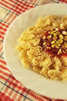 Free Pasta With Tomato Sauce Royalty Free Stock Image - 17569636