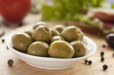 Free Green Olives Stock Image - 17570231