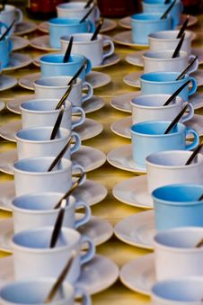 Free Empty Cup Royalty Free Stock Image - 17571476