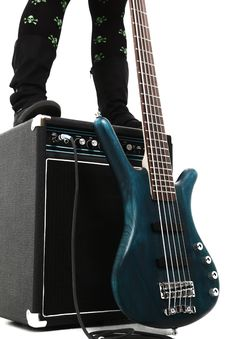 Free Amp And 5 String Bass Guitar Royalty Free Stock Photography - 17571487