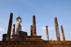 Free Old Buddha Statue Stock Images - 17571594