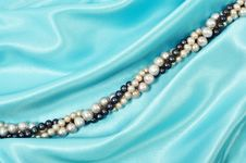 Free Silk And Pearls Royalty Free Stock Image - 17572836