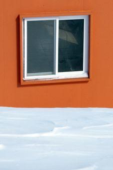 Free Orange House In The Snow Stock Photo - 17576400