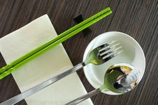 Free Chopsticks Table Setting Royalty Free Stock Photos - 17590268