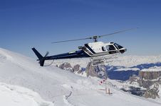 Free Helicopter Landing In Ski Region Royalty Free Stock Photography - 17590347