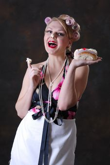 Free Retro 50s Style Female With Cream Cake Stock Photography - 17593392