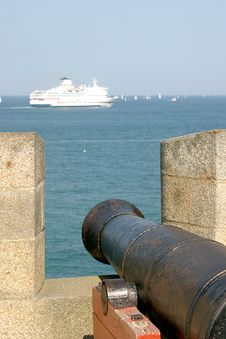 Free A Cannon In Saint-Malo Royalty Free Stock Photography - 1762027