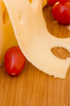 Free Cheese Slice And Red Tomato Royalty Free Stock Photos - 17600348