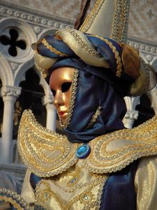 Gold Woman At Carnevale In Venice Royalty Free Stock Image