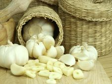 Free Garlic Pods Royalty Free Stock Images - 17608969