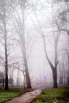 Free The Fog Park Of Entertainments Royalty Free Stock Photography - 17609877