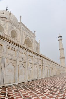 Free Taj Mahal Royalty Free Stock Photography - 17610067