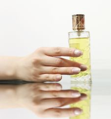Free Elegant Hand With Lovely Perfume Stock Photography - 17610222