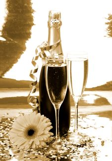 Free Champagne And Flower Royalty Free Stock Image - 17610976