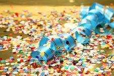 Free Confetti And Streamer Royalty Free Stock Photography - 17611057